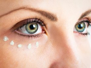 Göz altı morlukları